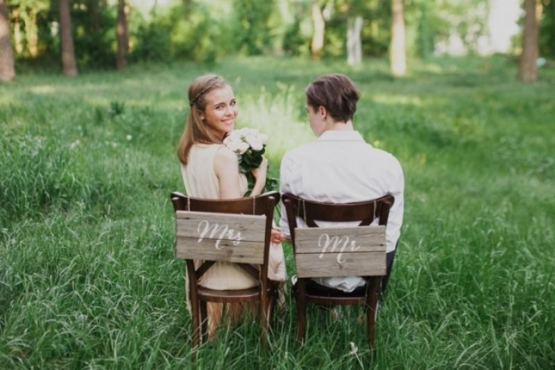 Picture Of joyful marsala woodland wedding inspiration  2