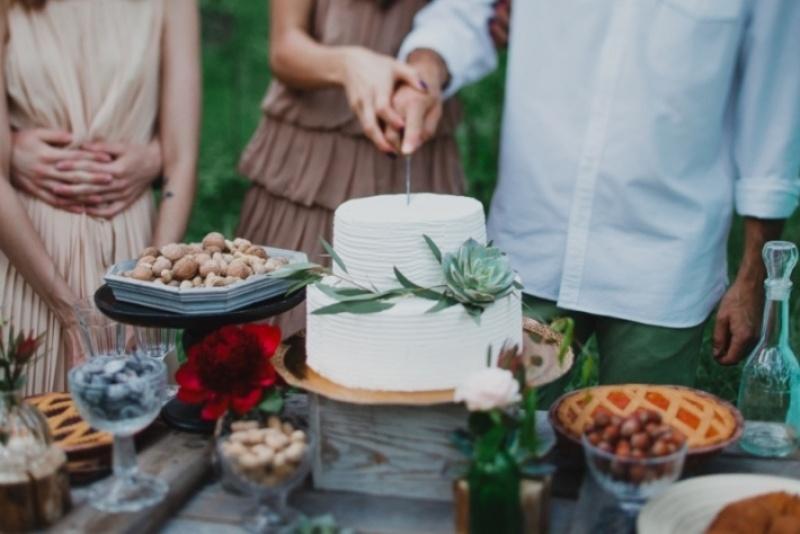 Picture Of joyful marsala woodland wedding inspiration  28