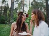 joyful-marsala-woodland-wedding-inspiration-29