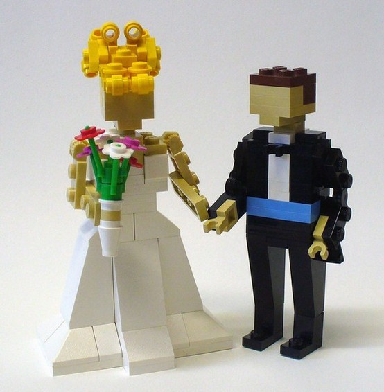 such Lego figurines of a happy couple can be used as decorations, for wedding centerpieces, favors or cake toppers