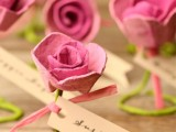 lovely-diy-paper-roses-wedding-escort-cards-4