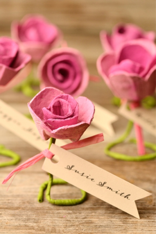 Picture Of lovely diy paper roses wedding escort cards  4