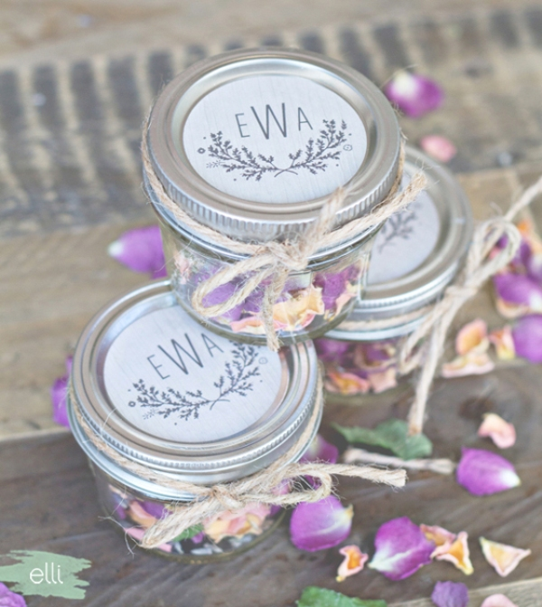 Picture Of lovely diy potpourri fall wedding favors  2
