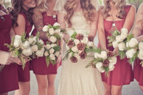 Lovely Rustic Christmas Themed Wedding To Get Inspired