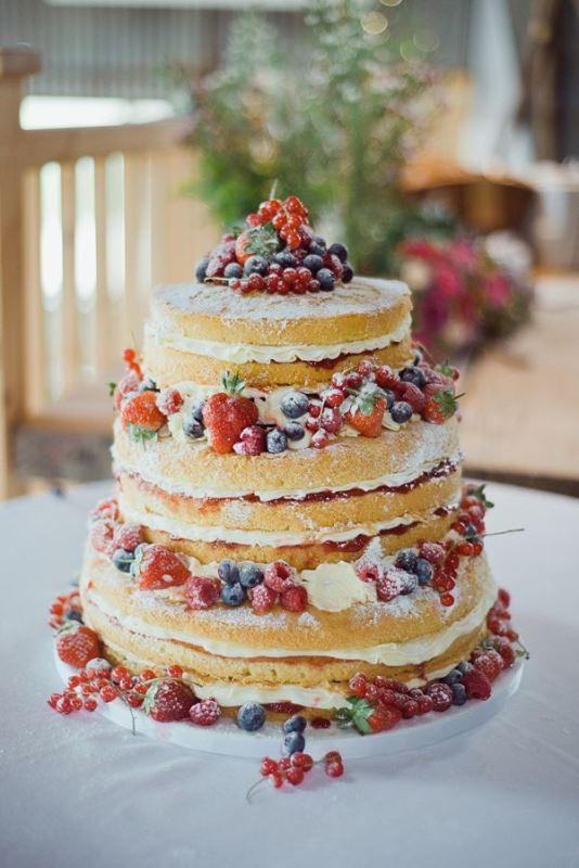 Picture Of Lovely Rustic Inspired Country Wedding Cakes 2