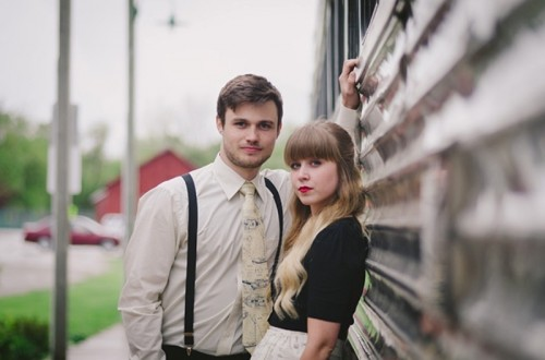 Lovely Vintage Train Engagement Session To Get Inspired