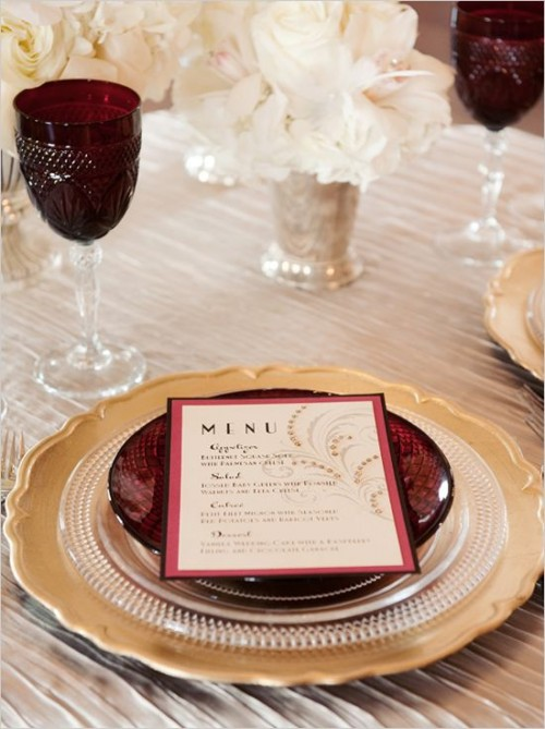 marsala glasses and plates make the neutral tablescape bolder and catchier and bring a colorful touch to it