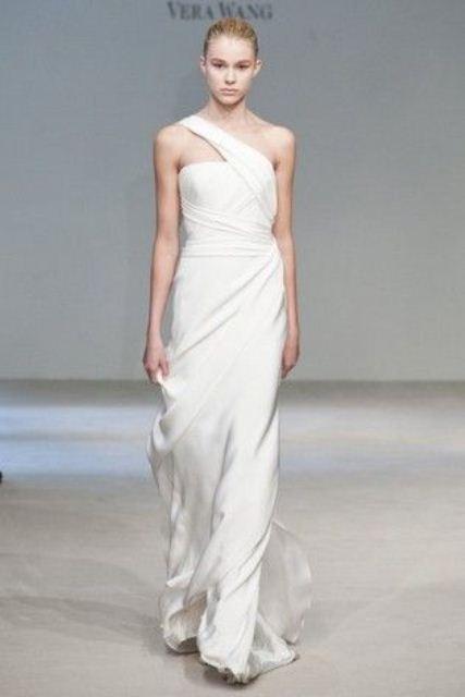 Minimal And Elegant Wedding Dresses