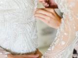 modern-marsala-and-berry-wedding-inspiration-10