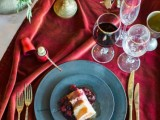 modern-marsala-and-berry-wedding-inspiration-26