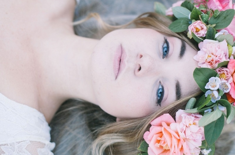 Natural And Romantic Spring Bridal Beauty Inspirational Shoot