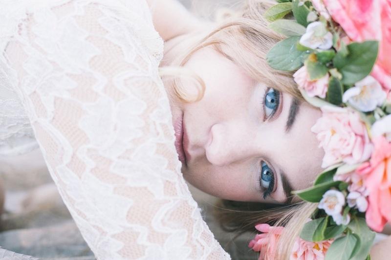 Natural And Romantic Spring Bridal Beauty Inspirational Shoot