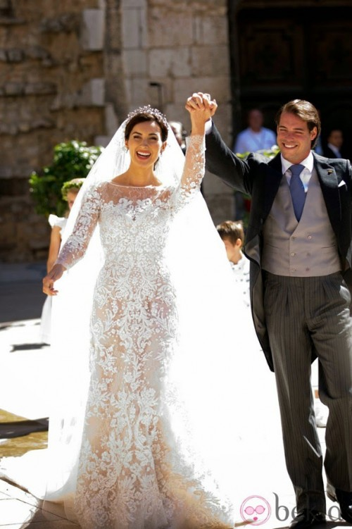 The Key Bridal Trend 2015: 22 Nude Lace Wedding Gowns - Weddingomania