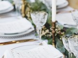 organic-grecian-wedding-inspiration-with-golden-touches-10