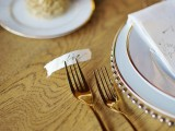 organic-grecian-wedding-inspiration-with-golden-touches-11