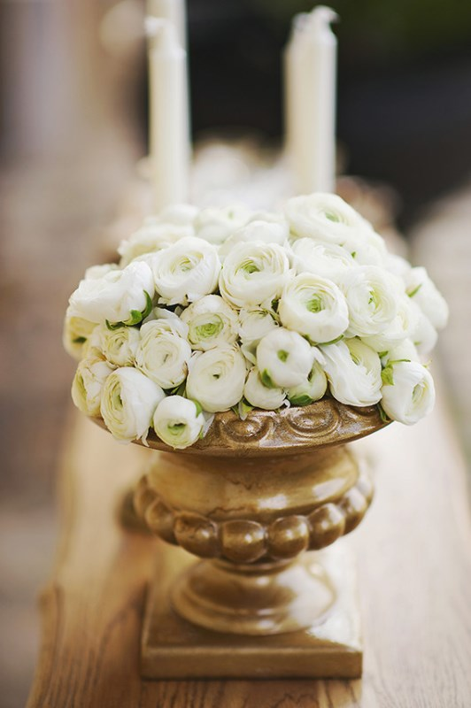 Picture Of organic grecian wedding inspiration with golden touches  6
