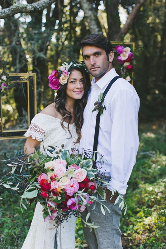 Picture Of organic inspired and free spirited summer garden wedding  1