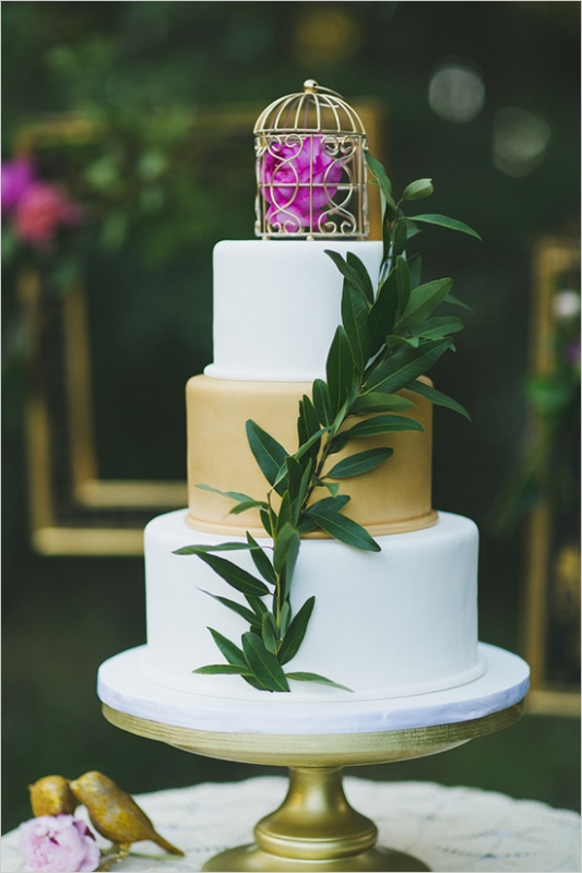 Picture Of organic inspired and free spirited summer garden wedding  13