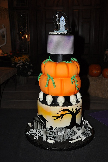 Original Halloween Wedding Cakes