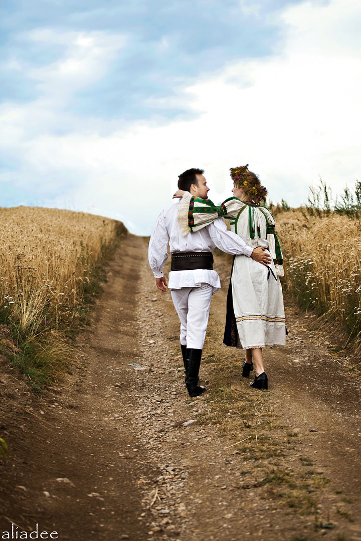 Picture Of pagan inspired wedding in the heart of transylvania  13