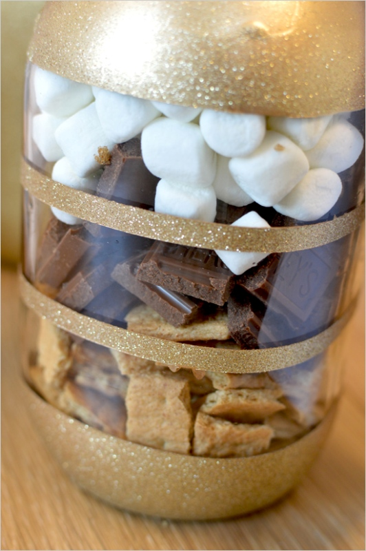 Picture Of perfect winter guests favor smores bars in diy glitter mason jars  2