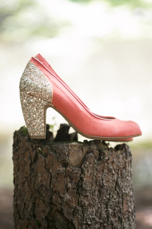 pink shoes with glitter gold backs are amazing for a bride at a wedding with this color scheme
