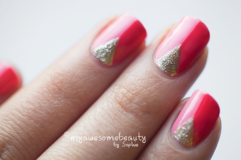 a pink and hot pink manicure with gold touches is a cool and bright idea for a bride at such a colorful wedding