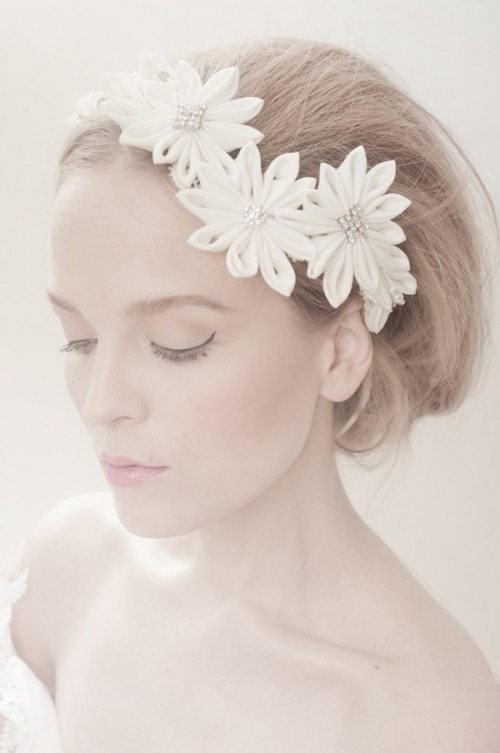 Refined Spring Flowers Headpiece Collection For A Vintage Look