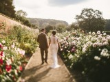 relaxed-and-colorful-wedding-inspiration-filled-with-flowers-1