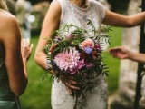 relaxed-and-colorful-wedding-inspiration-filled-with-flowers-10