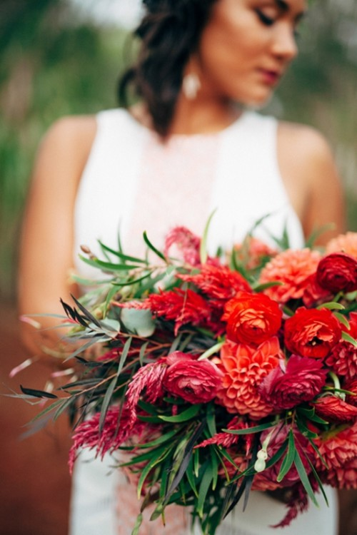 Relaxed And Fun Red And Green Hawaiian Wedding Inspiration