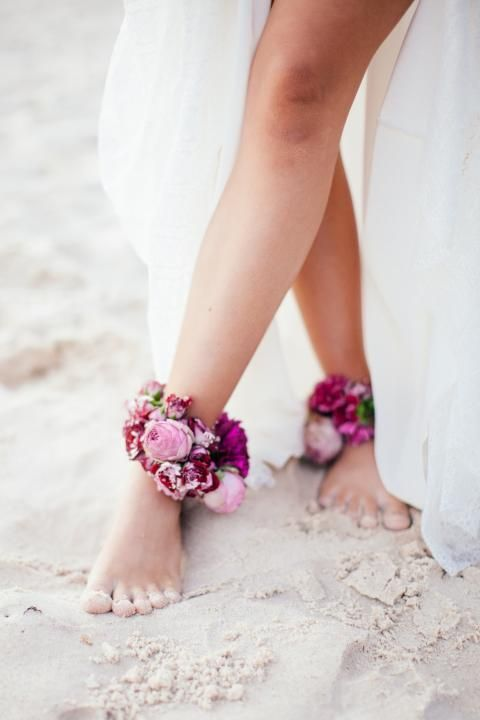 bright floral anklets are amazing accessories for a boho beach bride, and they are quick and easy to make