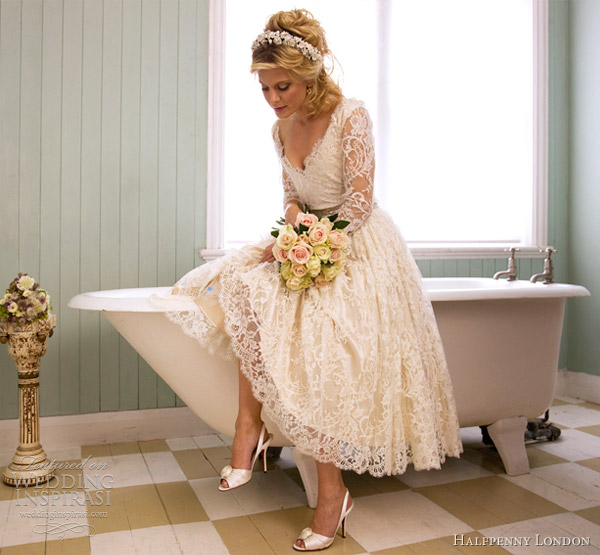Old Fashioned Wedding Dresses With Lace 24 Good Retro Chic Wedding Dresses
