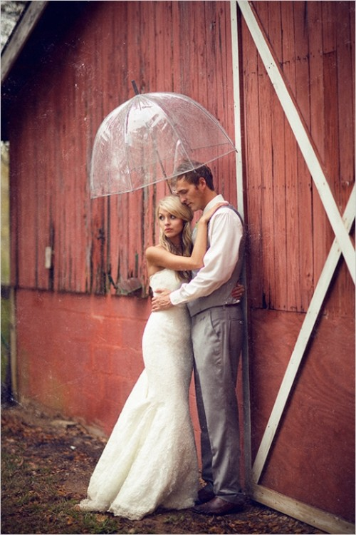 Romantic And Cozy Vintage Barn Wedding Inspiration