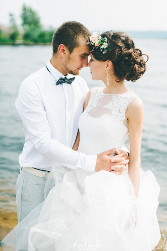 Picture Of romantic and sincere rustic summer wedding inspiration  11