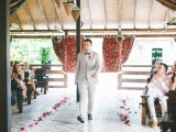 romantic-and-sincere-rustic-summer-wedding-inspiration-20