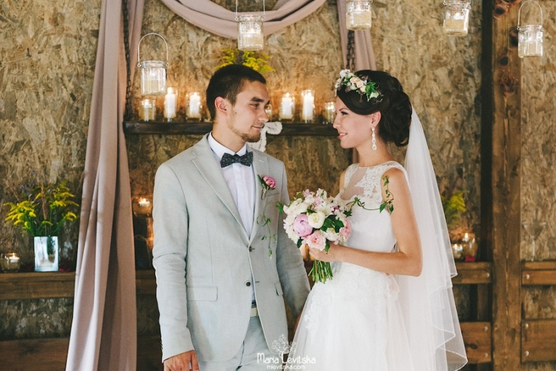 Picture Of romantic and sincere rustic summer wedding inspiration  22