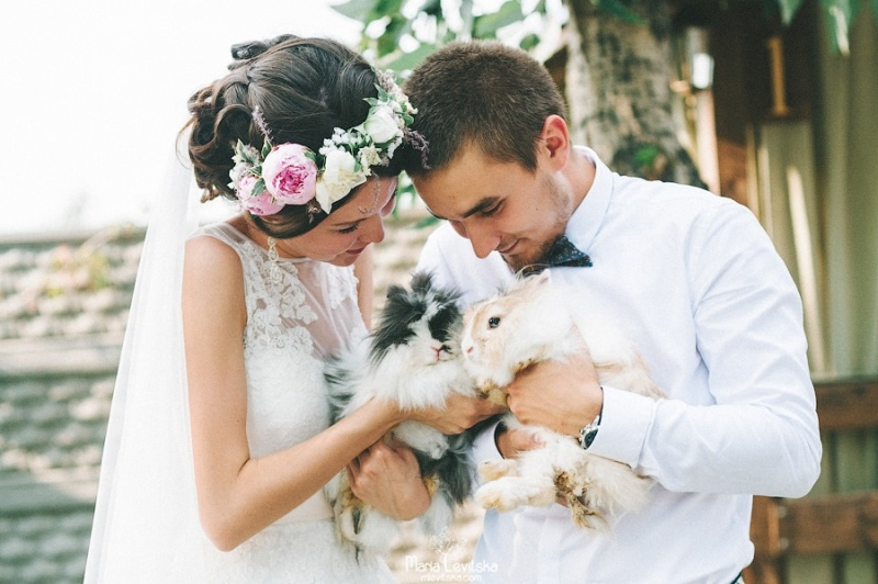 Picture Of romantic and sincere rustic summer wedding inspiration  23