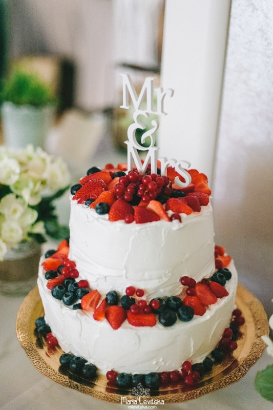 Picture Of romantic and sincere rustic summer wedding inspiration  30