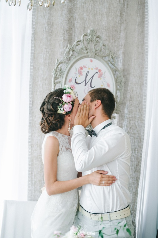 Picture Of romantic and sincere rustic summer wedding inspiration  32
