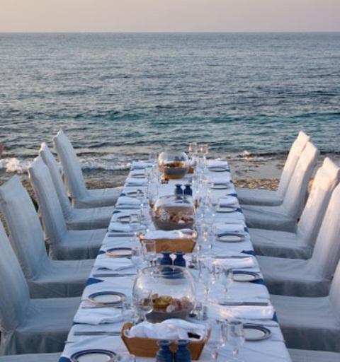 Romantic Beach Wedding Table Settings & 35 Romantic Beach Wedding Table Settings - Weddingomania