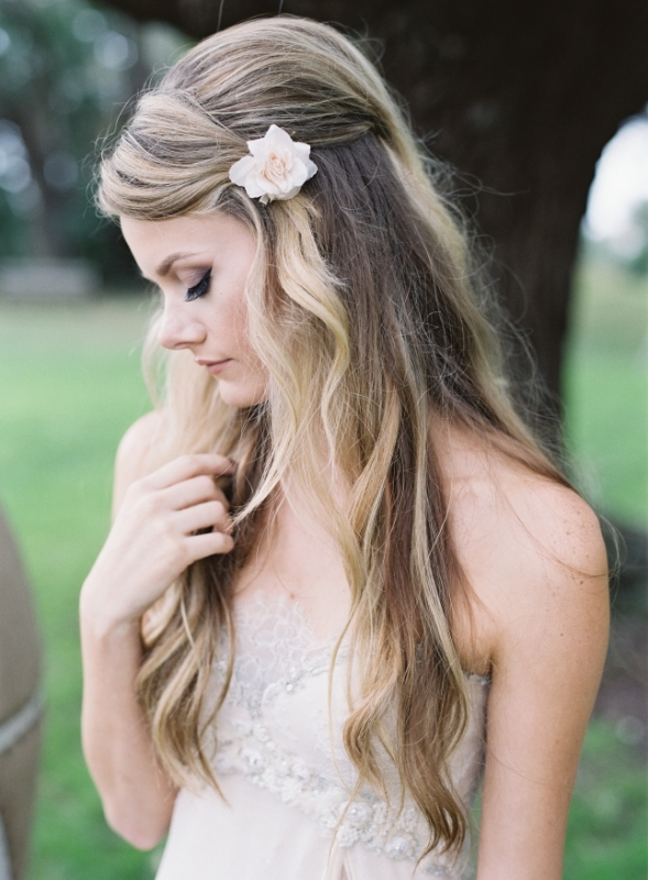 Picture Of romantic blush pink outdoor wedding inspiration  5