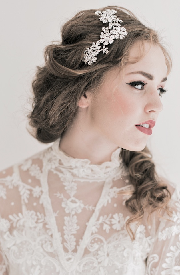 Picture Of Romantic Bridal Accessories Inspired By Pride And Prejudice