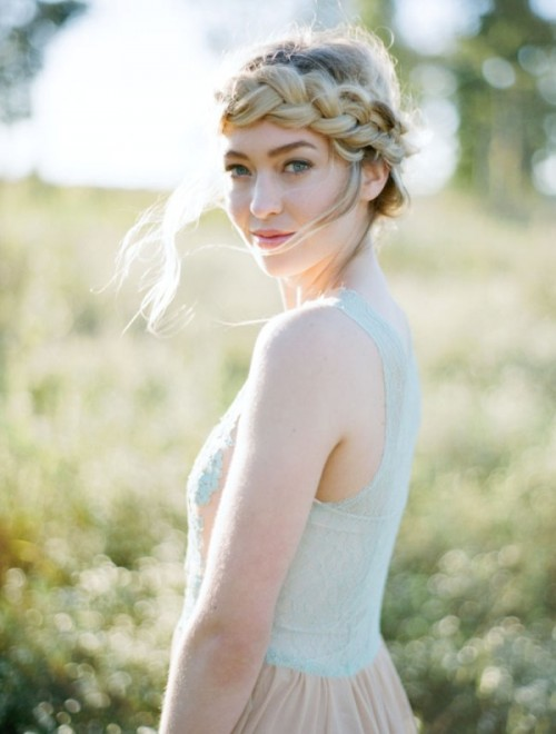 Romantic DIY Loose Halo Braid For A Dreamy Bridal Look