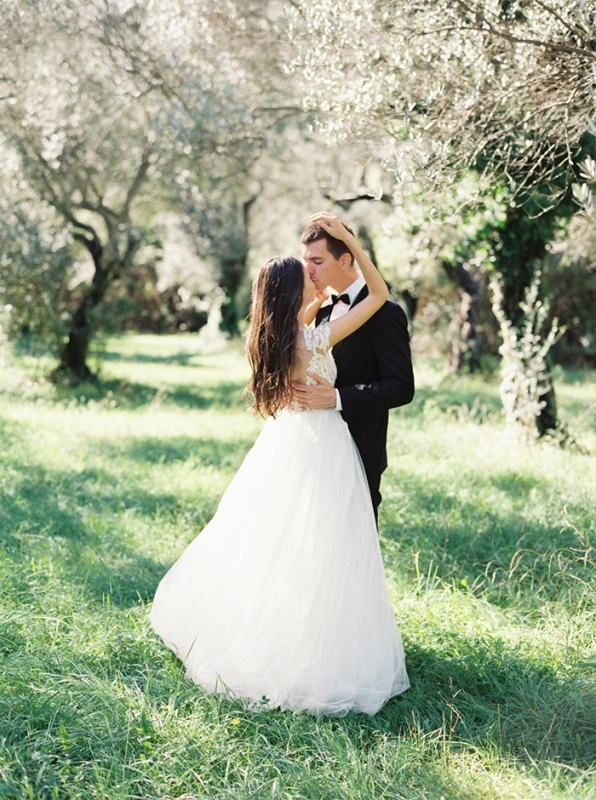 Picture Of romantic mountainside wedding inspiration in dreamy pastels  11