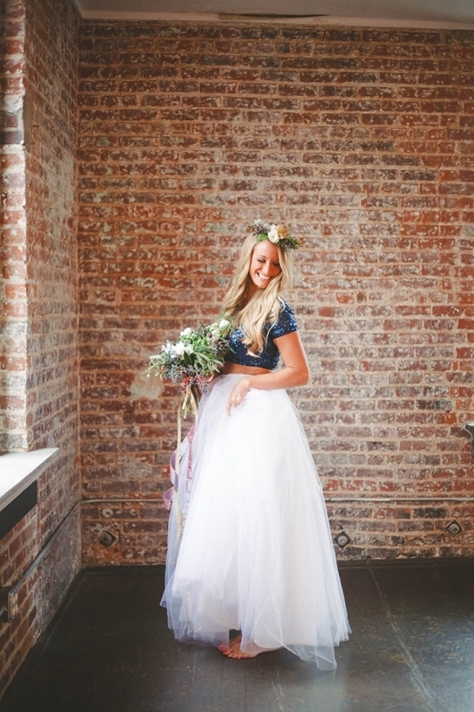 Picture Of romantic navy and gold fall wedding inspiration  3