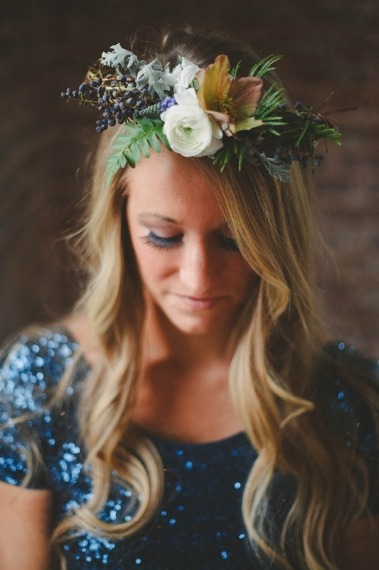 Picture Of romantic navy and gold fall wedding inspiration  4