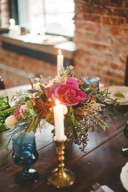 Picture Of romantic navy and gold fall wedding inspiration  7