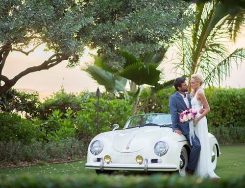 Romantic Tropical Hawaiian Wedding Inspiration