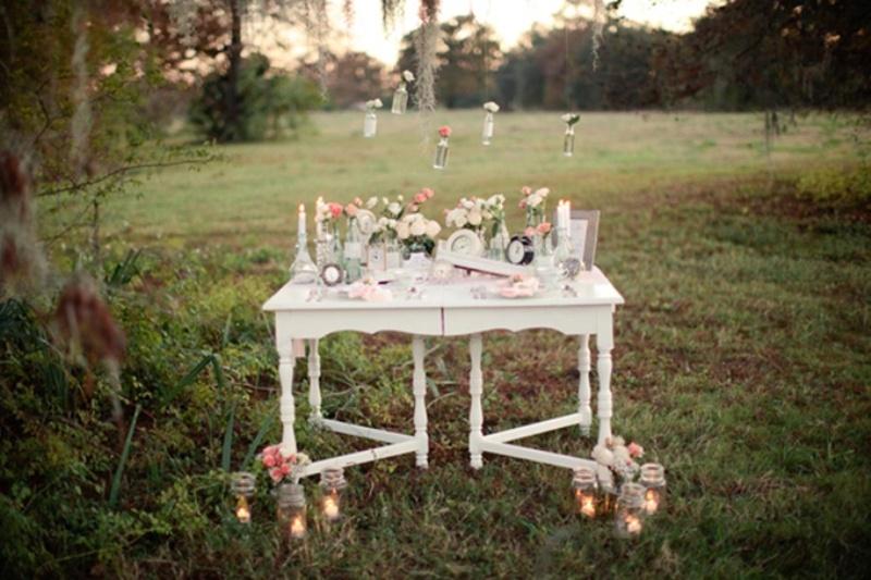 Vintage Wedding Decorations | Romantic Vintage Wedding Inspiration With Clocks Decor Weddingomania